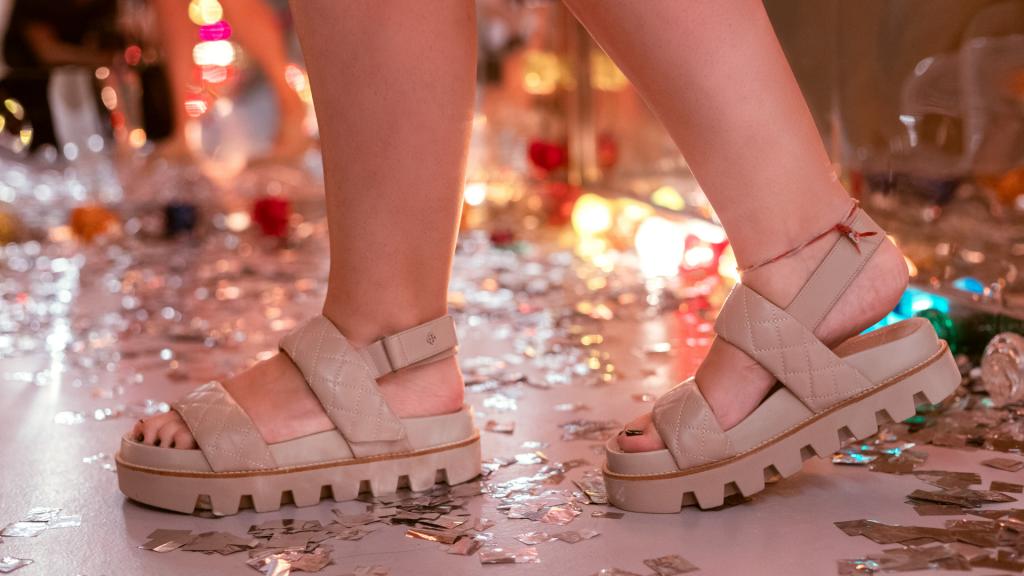 editorial | capodarte | capodarte santos | farol santander | farol santander sp | sapatos | moda 2021 | moda verão 2021 | bolsa | chili pinkk | editorial de moda | estilo