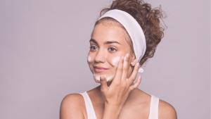beleza | cuidados com o rosto | maskne | acne por causa de mascara | cuidados faciais | dicas de beleza | beleza facial | cosméticos | dermocosméticos | hidratantes | tônicos faciais | sabonete facial